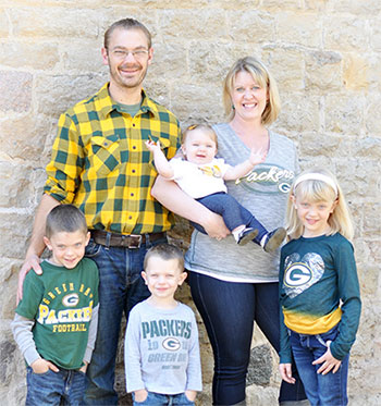 Chiropractor Antigo WI Amy Stuber and Family